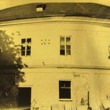 Chodovská tvrz v roce 1927