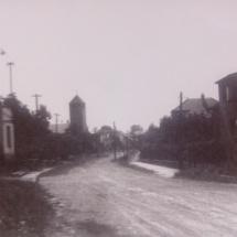 Ulice Na Sádce v pozadí s kostelem